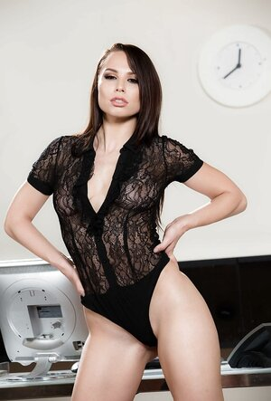 Flirtatious immature woman works alone in the office and plus can strip during phone call